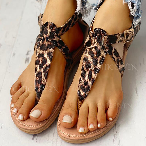 Women's PU Flat Heel Sandals Peep Toe With Rivet Buckle Animal Print shoes