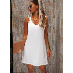 Solid Lace Sleeveless Shift Above Knee Casual/Elegant Dresses