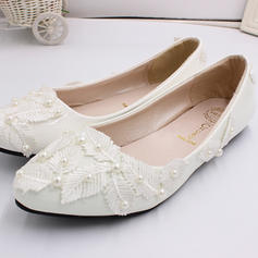 Women's Leatherette Flat Heel Closed Toe Pumps With Flower