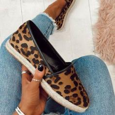 Women's Fabric Flat Heel Flats Closed Toe With Animal Print shoes